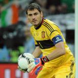 Iker Casillas and Cesc Fabregas overlooked by new Spain boss