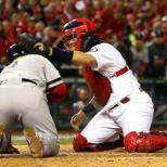 Cardinals catcher Molina nabs sixth Gold Glove award