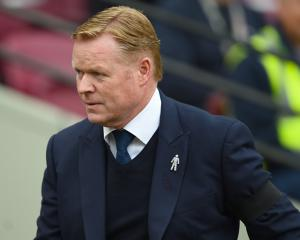 Everton boss Ronald Koeman determined to give Chelsea a tough test at Goodison