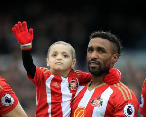 Six-year-old football mascot Bradley Lowery loses cancer fight