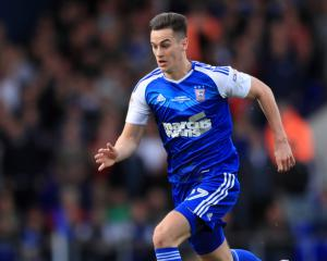 Tom Lawrence leaves Leicester for Derby
