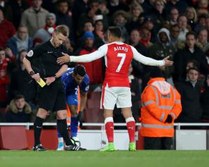 Wenger defends Sanchez over late incident as Arsenal keep top four hopes alive