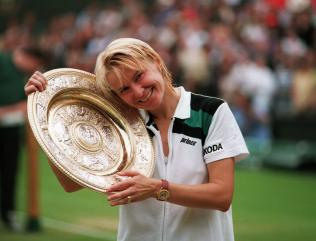 Former Wimbledon champion Jana Novotna dies from cancer aged 49