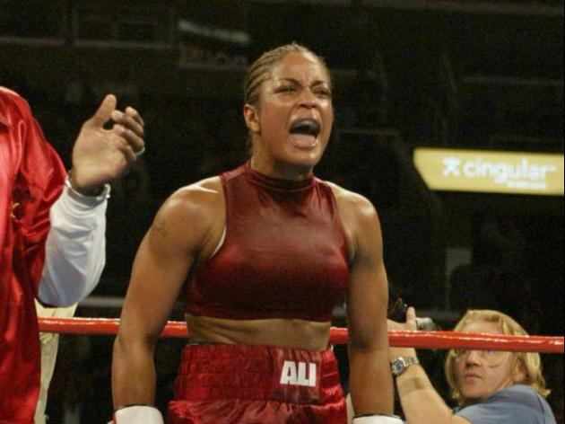 Nicola Adams joins growing list of female professional boxers