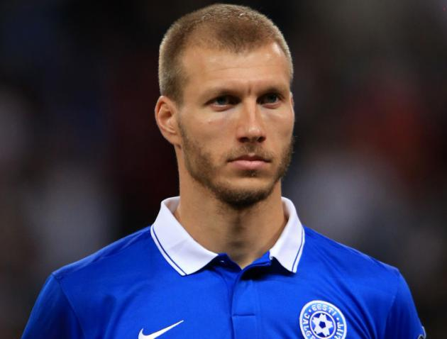 Liverpool to Add Defender Ragnar Klavan to Ease Injury Woes