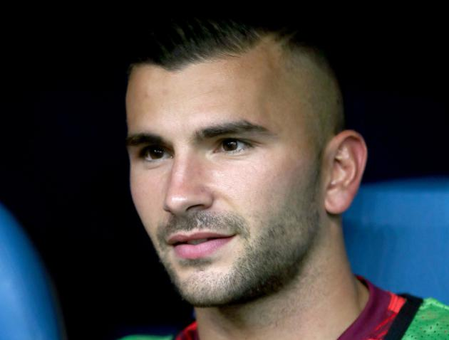 Ligue 1 match at Metz abandoned after firecrackers hit Lyon's Anthony Lopes