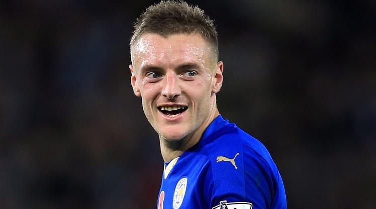 Jamie Vardy signs new deal with Leicester through to 2019