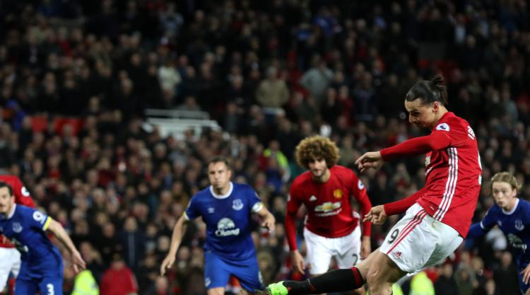 Jose Mourinho explains why he made a tactical change against Everton