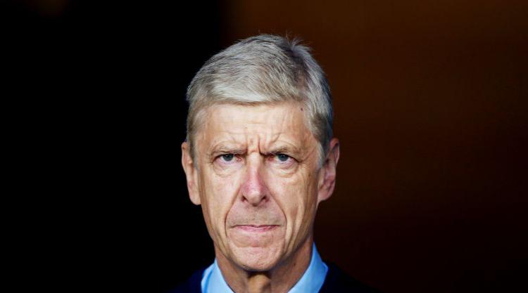 Wenger signs new two year contract with Arsenal