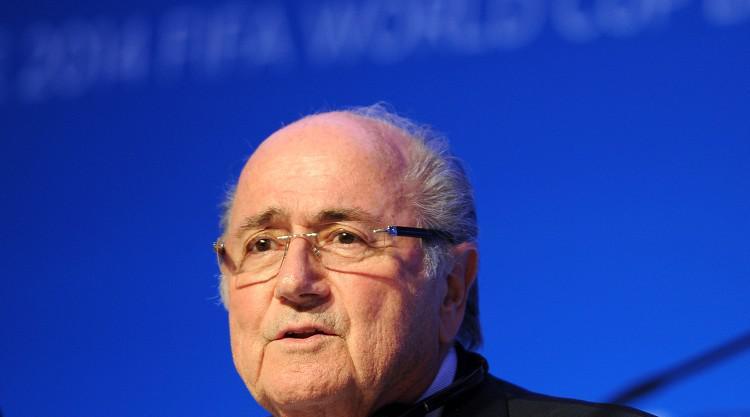 Blatter to resign
