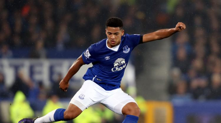 Tyias Browning: Everton defender joins Sunderland on season-long loan