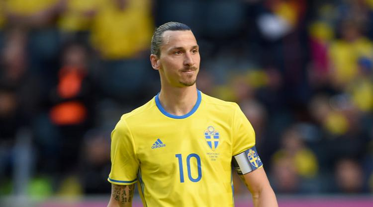 Zlatan Ibrahimovic makes immediate impact in first Manchester United appearance