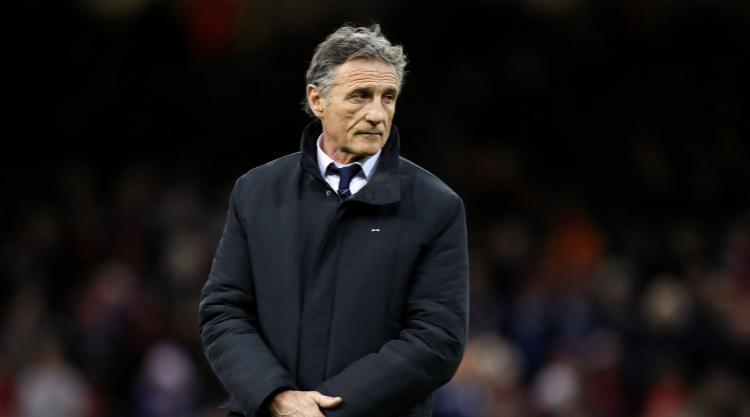 France coach guy noves puts faith in francois trinh duc for Interieur sport guy noves
