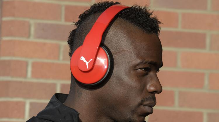 Mario Balotelli agrees Nice contract extension