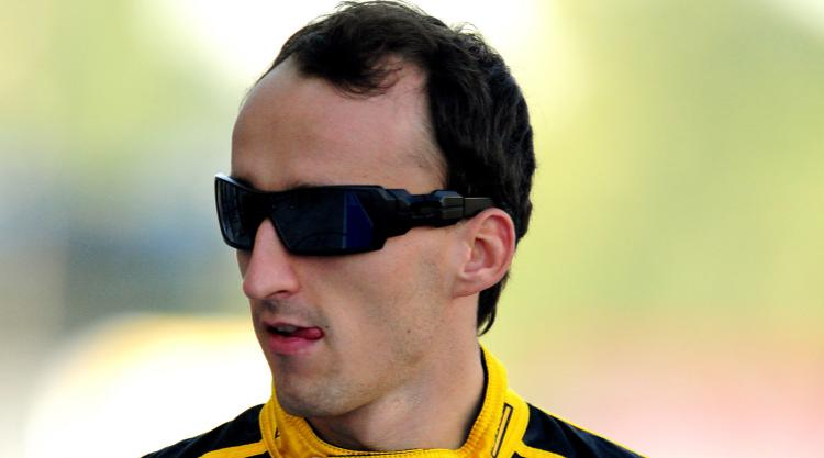 Robert Kubica returns to F1 action at Valencia