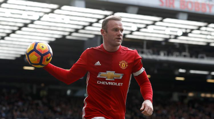 Paul Scholes backs Wayne Rooney to fight for England place