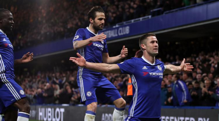 Spurs stay in touch with Chelsea with 8th straight PL win